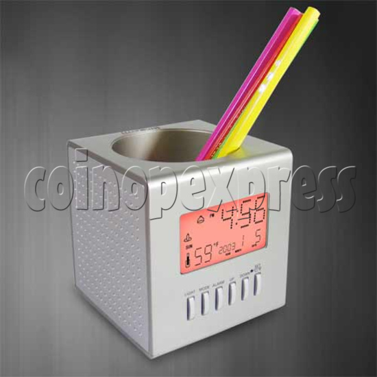 Cube Pen Holder with Clock 20187