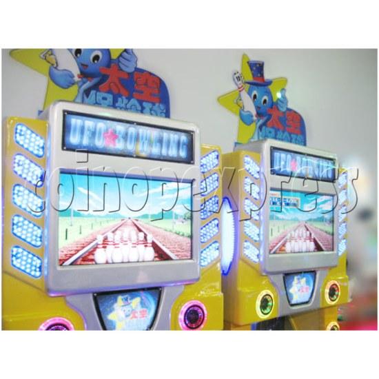 UFO Bowling Machine 26021
