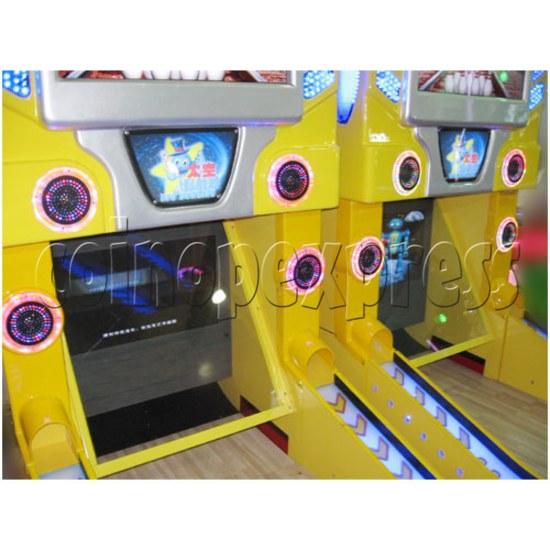 UFO Bowling Machine 26023