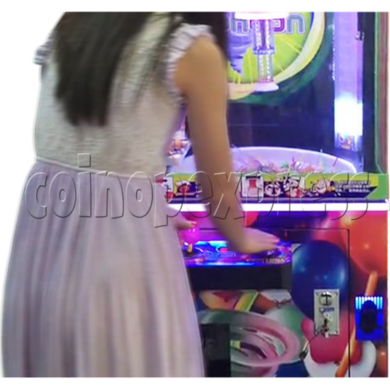 Candy Typhoon  Grabber Prize Machine (Button Version) 34142