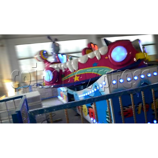 Flying Skiing Car Adventure Park Ride (9 players) 34250