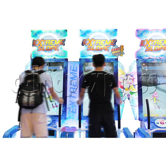 Extreme Slope Ticket Redemption Arcade Machine - play view 1
