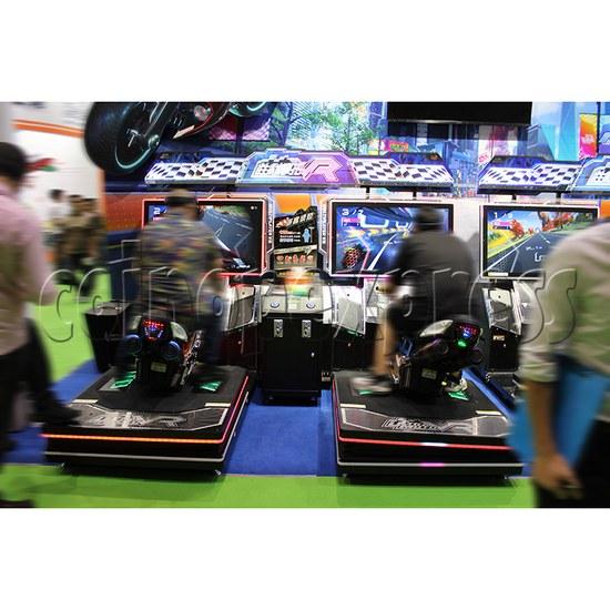 Ultra Moto VR Arcade Driving Machine Twin - play view 1