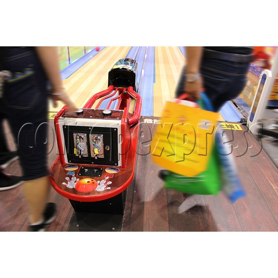 Speed Bowling Arcade Machine 8.6M - control console