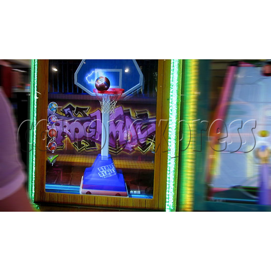 The Champ Ticket Redemption Arcade Machine - play view 3