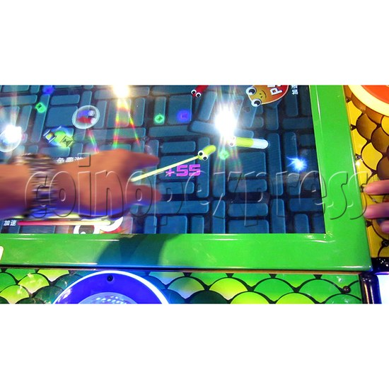 Funky Snake Ticket Redemption Arcade Machine 8 Players - screen display 2