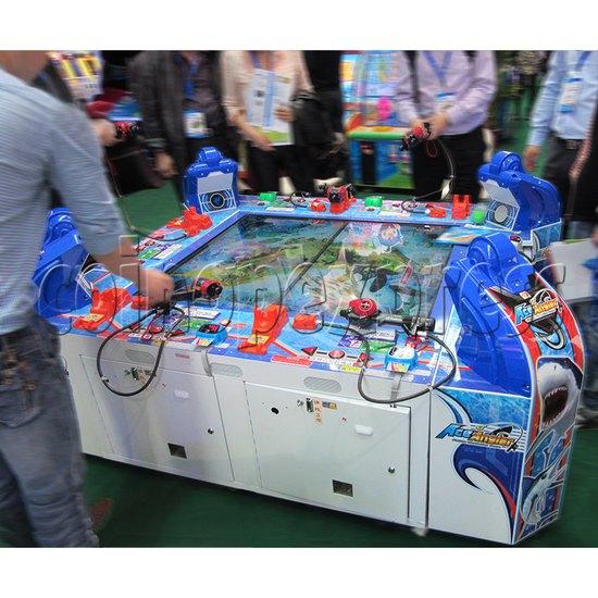 Ace Angler fishing simulation arcade machine (6 players) - play view 1