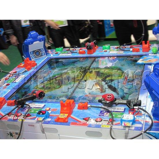 Ace Angler fishing simulation arcade machine (6 players) - play view 2