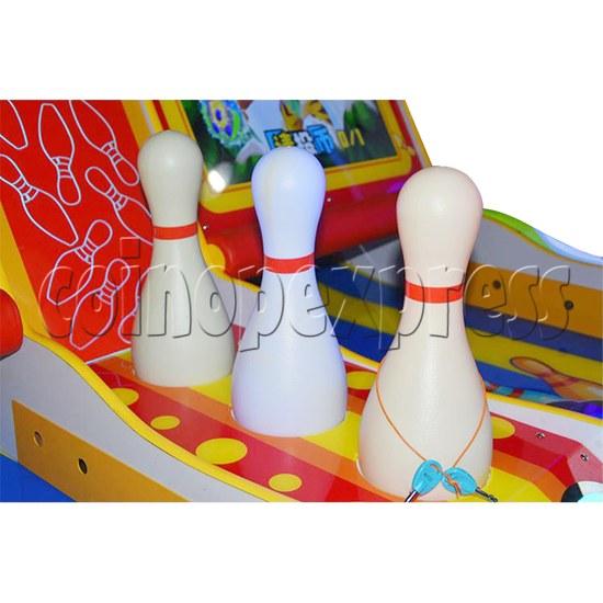 Adventure Bowling Machine - bowling pin