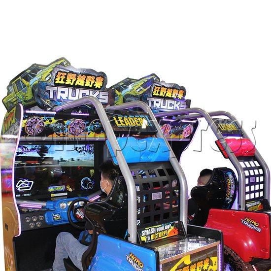 Nitro Trucks Racing Game Machine - play view
