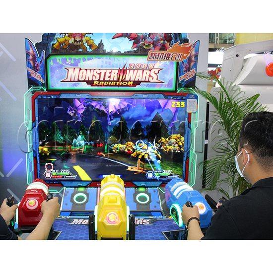 Monster Wars Radiation Simulative Shooting Game Machine play view 3