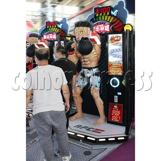 Attack Heroes Boxing Championship Prize Machine exposed view