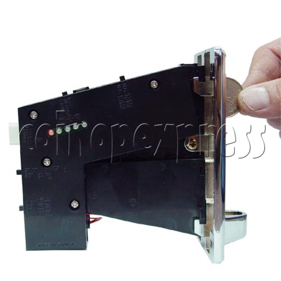 Multiple Coin Acceptor (1 signal 5 coins) 8945